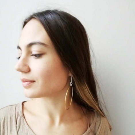 Daisy stud earrings, solid steling silver, gold plated studs of dainty, modern daisies with fresh water pearls center